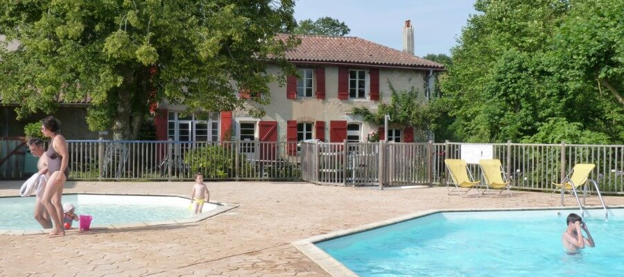 Camping avec piscine pays basque camping basque avec for Camping au pays basque avec piscine